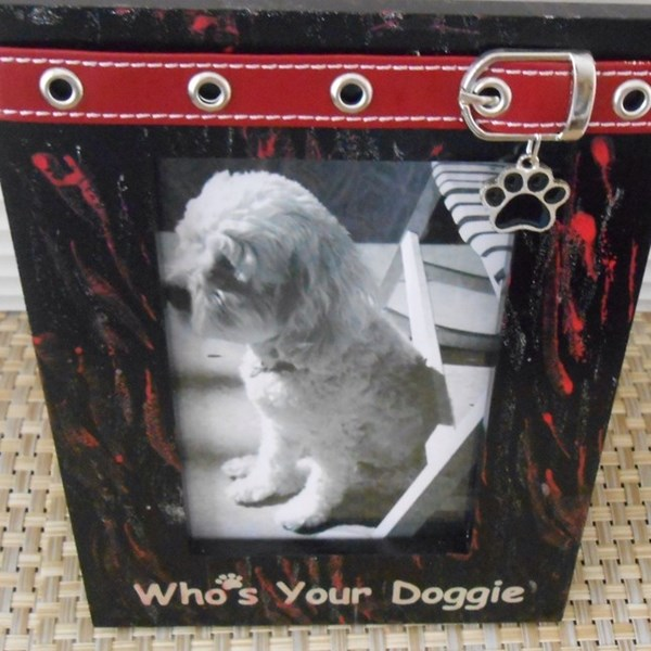 Whos_Your_Doggie